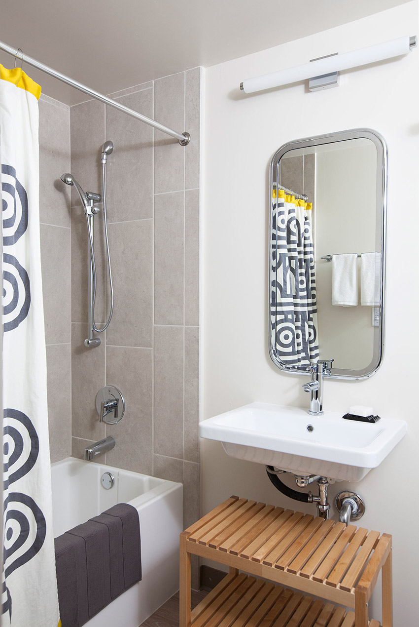 Melinda Mandell Interior Design Palo Alto Bathroom, Photography by Michelle Drewes